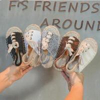 أطفال مصمم أحذية بنات أحذية سترو طفلة الترتر شقة الصنادل الرجعية شاطئ عارضة الأزياء والأحذية الصيف بارد النعال عدم الانزلاق ZYQ207