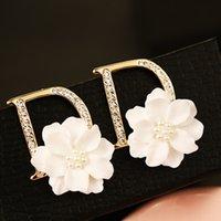 Neue Marke Temperament Buchstaben D goldene Ohrringe und weise Zircon weiße Muschel Blumenfrauen Ohrringe 18K Gold Luxus weibliche Ohrringe