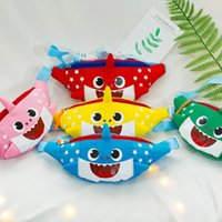 Baby Shark Cute Cartoon Baby Boy Girl Una borsa a tracolla Scuola materna Canvas Candy Color Animal Shark Bambini Borse Zipper Mini Purse A326010