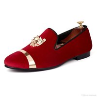 Harpelunde Slip On Men Dress Zapatos de boda Mocasines de terciopelo rojo con placa de oro Envío gratis Tamaño 7-14