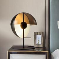 성격 금속 유리 바 거실 연구 침실 후면 현대 디자이너 수직 LED 테이블 램프