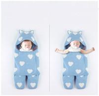 Nouvelle vente chaude 3 couleurs Bébé nouveau-né sacs de couchage tricoté coeur imprimé bébé couverture à la main enroulée sac de couchage super doux avec chapeau
