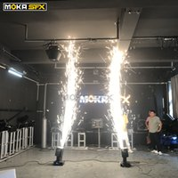 Los fuegos artificiales de la boda DMX Moving Spark Machine Head Etapa Equipo para DJ fría chispa Fuente de control DMX 360 ° de rotación del Sparkler por Wedding Show