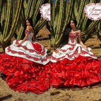 2020 fuori dalla spalla ha increspato floreale Charro Quinceanera gonfi gonna di pizzo ricamo principessa Sweety 16s ragazze Masquerade Prom Dress