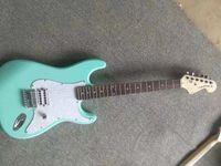 Новое Высочайшее качество FDST-1097 светло-зеленый цвет сплошной корпус палисандр Fretboard 22 лада Хром оборудование ST Electric Guitar, бесплатная доставка