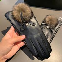 Luvas Forma-Mulheres Inverno luvas quentes Cinco Dedos Luvas Personalidade pele de carneiro alta qualidade para menina