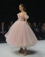 Heißer verkauf perle rosa geschwollene prom kleider weg schulter tüll kristall perlen korsett zurück mit großem bogen tee länge formale partei abend kleid