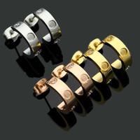 Оптовая цена Классический дизайн-шпильки титановые стальные винты с серьгими сверла Полукруглые отверстия с серьгими для женщин подарок