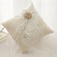 Деревенский стиль кружевной кольцевой колокольчик наволочные кольца подушки для цветочных корзин наборы свадебные церемония жемчуг торт подушка цветок невеста кольцевая коробка