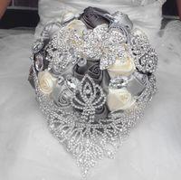 2019 새로운 유럽 스타일의 결혼식 꽃다발 손으로 만든 인공 백합 흰색 신부 들러리 신부 파티 액세서리 꽃 장식