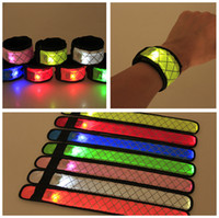Led Wristband Sport Slap Wrist Strap Bands Light Flash Bracciale Glowng Bracciale Cinghia Per Party Concert Bracciale Halloween Natale CNY1207
