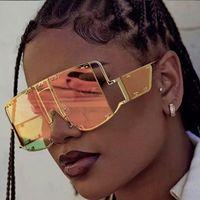 OEC CPO Fashion Square Sunglasses Mulheres New extragrandes Espelho Homens Shades Óculos luxo metal Rivet Tendência Único Feminino EyewearL59