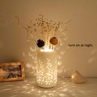 침실 침대 옆 거실 데스크 조명 E27 버튼 스위치 로맨틱 2020 판매 테이블 램프 도자기 갓 가짜 꽃 패션