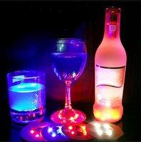 Bebida Luz adesivos garrafa Coasters do partido das luzes LED luminoso LED piscando Cup Mat Natal Vaso de Ano Novo Dia das Bruxas luzes da decoração