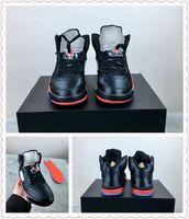Satin Serie 5 Bred Black University Red Basketballschuhe für den Mann 136027-006 Hohe Qualität 5s Satin Mens Athletic Sports Sneakers mit Box