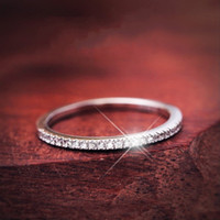 Mode d'origine 100% 925 Band en argent sterling Anneaux femmes Bijoux de cadeau de mariage classique Simulé Platine Diamant CZ Taille de la bague 4-10