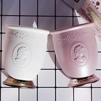 Les Merveilleuses Laduree Embossment Make-up Pinselhalter - Weiß / Pink - Luxus Beauty Pinselhalter