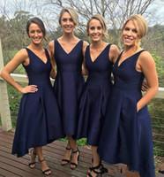 Ucuz Donanma Mavi 2019 Gelinlik Modelleri Saten Yüksek Düşük V Yaka Basit Hizmetçi Onur Elbise Akşam Parti Abiye Örgün Balo Elbise