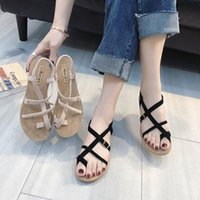 Mujeres de verano Sandalias de Roma Sandalias Elegante Lady Zapatos de madera Sandalia Plana Correas Cruz Favorita Clip Toe Beach Zapatos Banda Elástica Sandalias