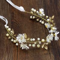 Diosa griega Rama de hoja de olivo Banda para el pelo Corona Rojo Flor blanca Casco Nupcial Diadema de boda Accesorios para el cabello de oro Joyería