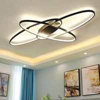 뜨거운 새로운 디자인 원격 디 밍 거실 Led 현대 샹들리에 침실 plafon 주도 화이트 / 블랙 현대 샹들리에 램프