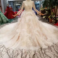 Luxury Special Wedding Dresses With Feather O Neck Long Tull...