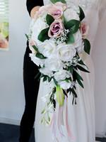 2020 인공 진주 크리스탈 신부 부케 아이보리 폭포 결혼식 신부 꽃 붉은 신부 수제 브로치 부케 드 모아지