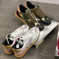 2020 Mens Designer Shoes Rockrunner Camouflage Sneakers Luxury Leather Suede Stud Trainers Combo Rock Runner Shoes women Casual shoes