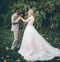 Abiti da sposa a ballo in pizzo Modest Abiti da sposa con maniche Puffy Princess Abiti da sposa Vintage Country Western Bridal Wed Dress Buttons