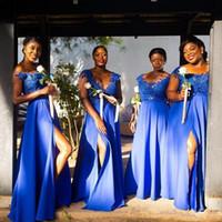 2021 Royal Blue Brautjungfer Kleid Spitze Kappenhülse Sheer Hals Side High Split Chiffon Brautjungfern Party Kleider Vestido de Festa de Casamento
