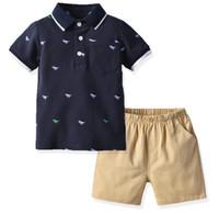 Meninos de banda desenhada trajes camisa crianças do arco-íris stripe lapela curta polo manga + bolso calções elásticos duplas 2pcs define designer de criança roupas F6912