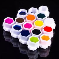 Coupe / bouchons de tatouage en plastique jetables de 50 pcs pour accessoires de microbladeur de maquillage permanent de maquillage à sourcils Micro Pigment Tatouge Supports de tatouage