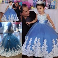 Principessa blu Sky Girls Pageant Gowns bianco pizzo appliques abito di sfera Flower Girl Abiti per la cerimonia nuziale indietro con fiocco Baby Birthday Party Dress