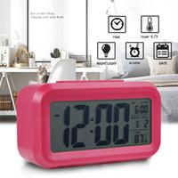 Smart Sensor Nightlight Digital-Wecker mit Temperatur-Thermometer Kalender Stille Tischuhr Nachttisch Wake Up Snooze