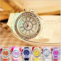 Роскошный мужской Алмазный LED Night Light Женева Часы Кристалл Luminous мужчин и женщин наручные часы Slicone диапазона Rhinestone кварцевые часы