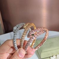 Goldene volle Bohrer Schlange Dame Armband Persönlichkeit Mode Trend Frauen Armbänder Freies Verschiffen Twinkle Dance Party Geschenk, die edel geben