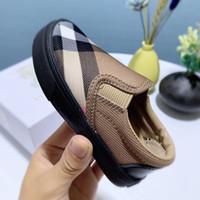 Nouvelle marque Beaux garçons Filles Sneakers Baby Fashion Casual Kids Chaussures Respirant Patch Haute Qualité Élégantes Enfants Casual Chaussures