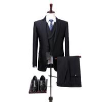 Трехкомпонентный черные свадебные смокинги для жениха Мужских костюмов Зубчатых нагрудных Мужчин костюма куртка брюки жилет Foviva Стиль 09006