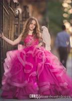 Prinzessin Cupcake Blumenmädchenkleider mit Flügelärmeln Kristall Coral Pink Organza mini kurzen Ballkleid-Mädchen-Festzug-Kleider Kleines Baby-Kind-Kleid