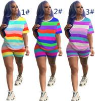 النساء مصمم رياضية قصيرة الأكمام وتتسابق مخطط قميص السراويل 2 قطعة مجموعة رياضية نحيل قميص السراويل الرياضة البدلة الساخن بيع klw1361