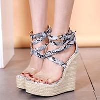 Рим стиль крест ремешками печать животное соломы сплетенный платформа клин сандалии способа роскошных женщин дизайнер обуви приходит с размером коробки 35 до 40