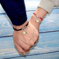 2020 Nova casal pulseira para amantes 12 milímetros Big Beads Luminoso Pedra Braslets Pingente Cruz Braclet Emparelhados Red Tópico Brazalete