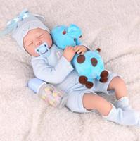 Bambole rinasce in silicone Bambole da 22 pollici Corpo in tessuto Lifelike Girl Girl Kids Gioca a Toddler Realistic Regali