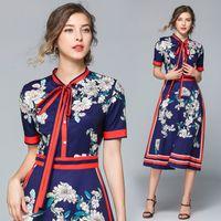 Vestito da donna con scollo a V a maniche lunghe con bottoni stampati con stampa floreale vintage delle nuove donne vintage da ufficio