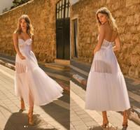Pequeño vestido blanco Vintage té-longitud de té 1920s 'Vestidos de novia 2020 Modern Berta Sweetheart ver a través de la playa corta de la novia al aire libre vestido de novia