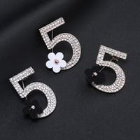 spille di lusso Numero 5 e spilla fiore creativo design personalizzato personalizzato personalizzato donne spilla di strass personalizzato regalo personalizzato
