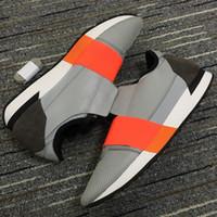 2020 الأزياء الساخنة المدرب عداء الأحذية أفضل جودة أسود أبيض أحمر شقة عارضة أحذية رياضية أحذية رياضة مدرب رياضة