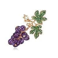 Kadınlar Sevimli Lüks Broş iğneler Moda Takı Şık Düğün Broş Meyve Üzüm Pins Yaz Kristal Üzüm Broş