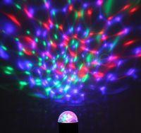 LED étape lumière de la lampe Mini cristal magique boule de cristal Laser Auto Rotating éclairage lampe danse Lampes Party Supplies GGA1780 fête