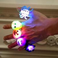 Silikon Cadılar Bayramı LED Halka Sevimli Parlak Canavar Halkalar Kabak Parmak Hayalet Işık Karikatür Akıllı Halkalar Tatil Partisi Hediye WY485Q